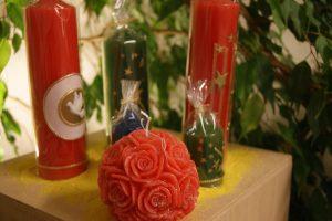 Bougies coulées et décorées à la main